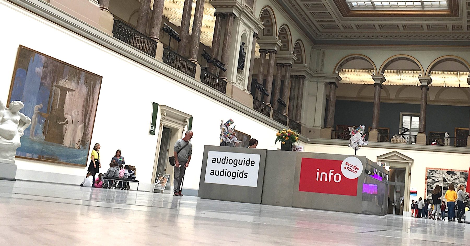 Grande salle d'accueil des Musées Royaux des Beaux-Arts de Belgique.
