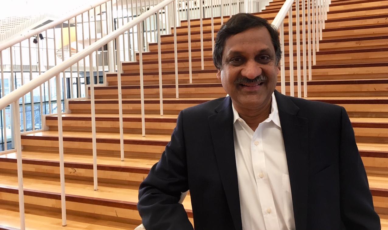 Anant Agarwal, Docteur Honoris causa de l'UCL.