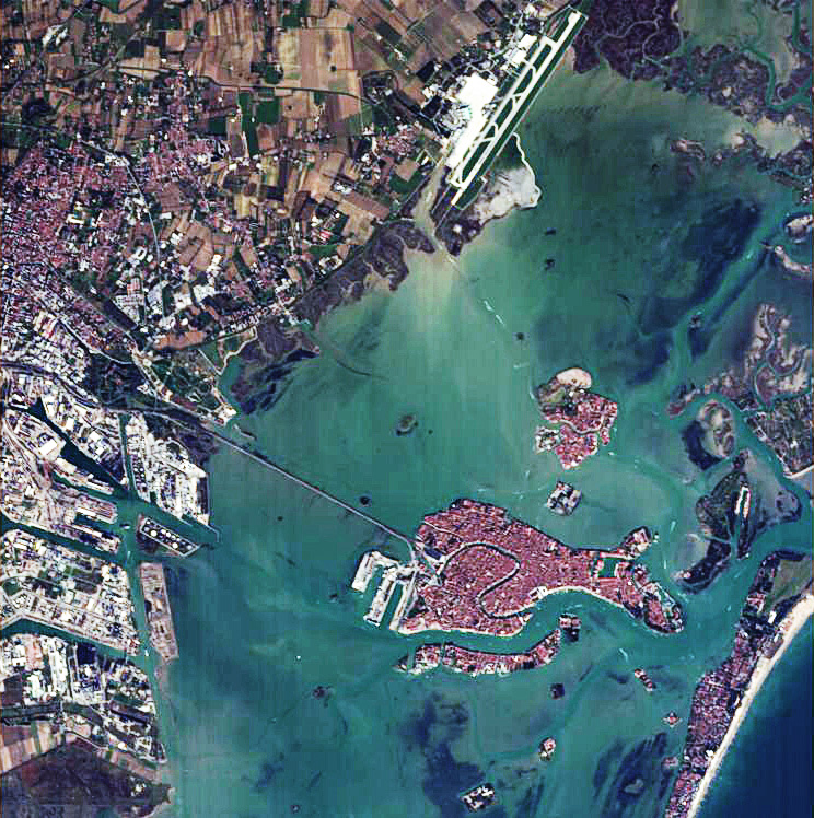 Venise, vue par Proba-1 en novembre 2004. © ESA