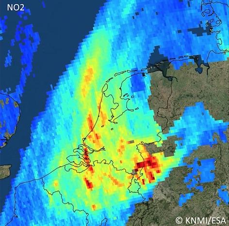 Emissions de dioxyde d'azote sur la Belgique et les Pays-Bas. © BIRA-IASB/DLR/ESA/EU