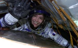 Claudie Haigneré, lors de sa seconde mission spatiale, en 2001, à bord de l'ISS. © ESA/Cnes