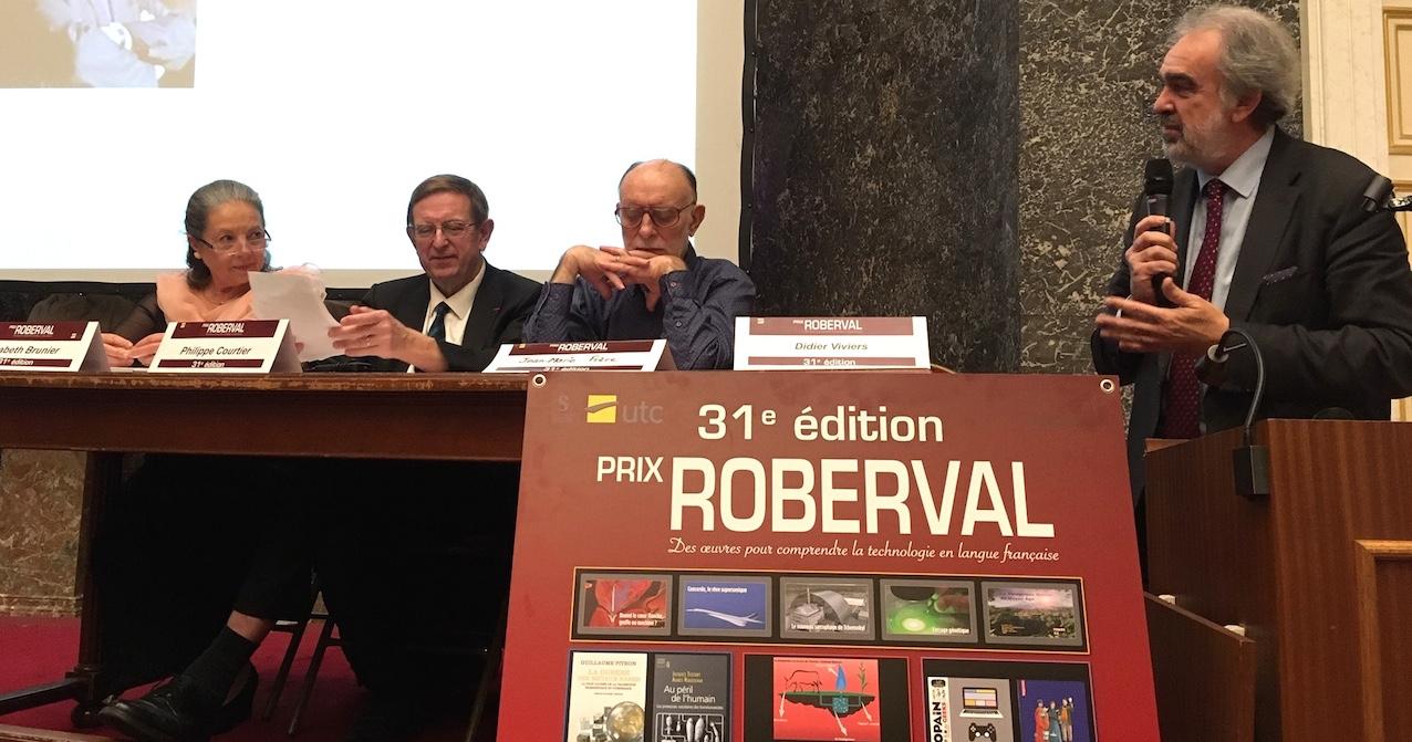 """La cérémonie de remise du prix Roberval """"enseignement supérieur"""" a été ouverte par le Secrétaire perpétuel de l'Académie royale des Sciences, le Pr Didier Viviers."""