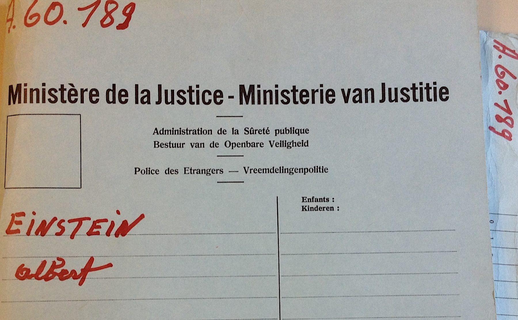 Parmi les documents conservés aux Archives générales du royaume, il existe de nombreuses pépites. Comme le dossier d'Albert Einstein, élaboré par la Police des Etrangers.