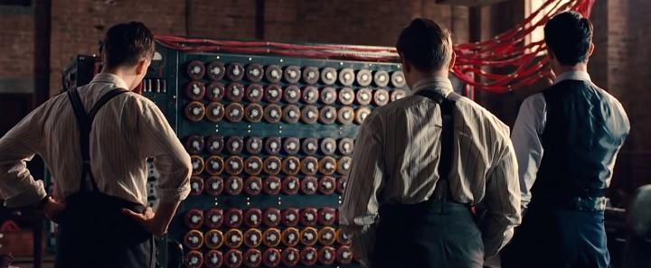 """La """"bombe"""" de Turing dont il est question dans le film est cette machine électro-mécanique destinée à casser le code du système de cryptage nazi """"Enigma"""". (Capture d'écran de la bande annonce du film """"The Imitation Game"""")"""