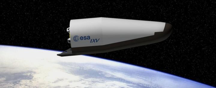 DS UNE Artist_impression_of_ESA_s_Intermediate_eXperimental_Vehicle_IXV photo ESA