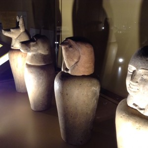 Vases canopes. (Cliquer pour agrandir)