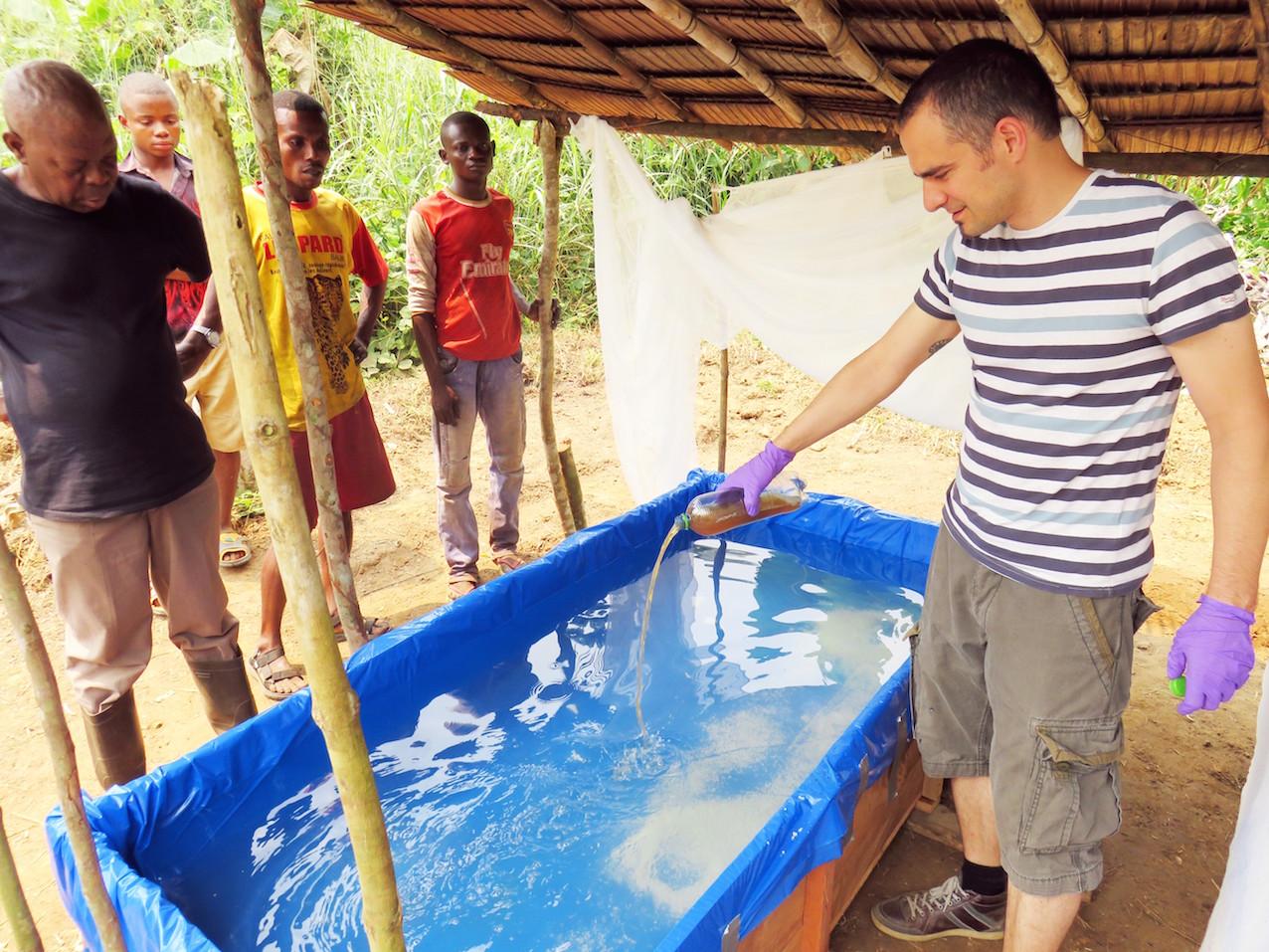 Installation de bassins à spiruline au Congo, par le SCK-CEN.