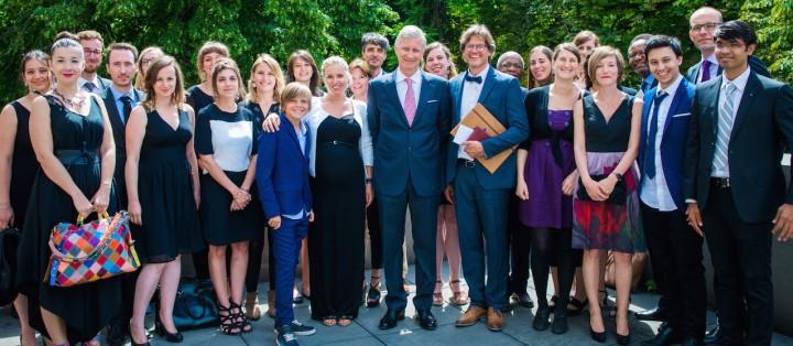 Le Roi Philippe a remis le Prix Francqui au Pr Steven Laureys, ici, avec son équipe et ses proches. © Dann.