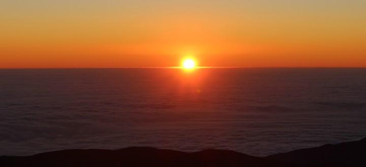 Coucher de soleil à l'observatoire de Paranal de l'ESO © Adrien Dewez